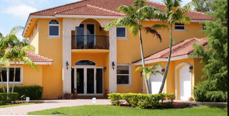 Painting the Exterior of Your House: DIY vs Hiring Professionals