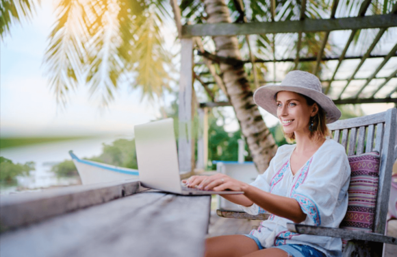4 Reasons Why Your Company Should Work With Digital Nomads